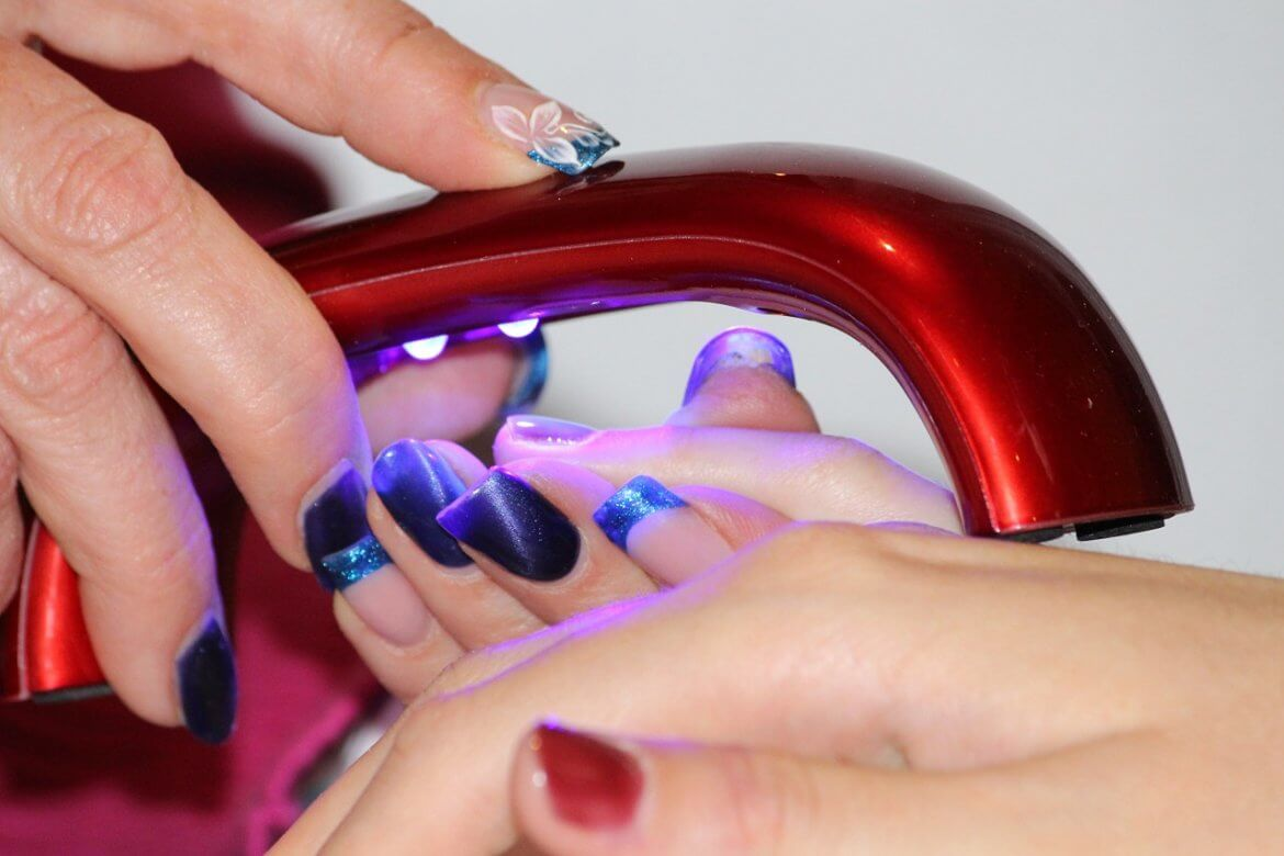5 Do's and Don'ts Every Gel Nails Addict Needs To Know